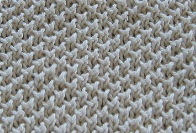 Stitch Patterns: The Bee Stitch and Knitting 1 Below