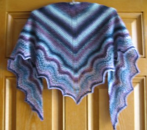 Knitted shawlette using Multnomah pattern